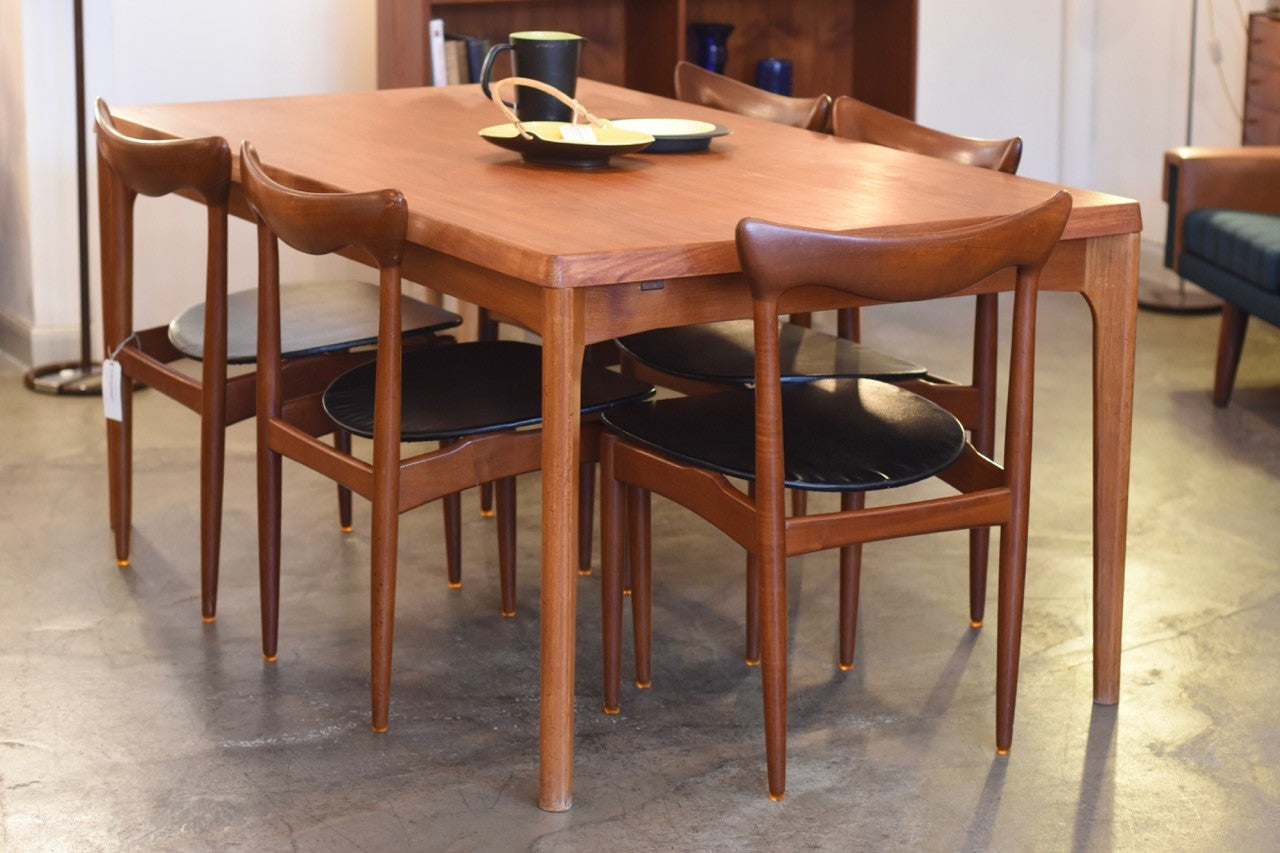 Not specified Just in: Extending teak dining table