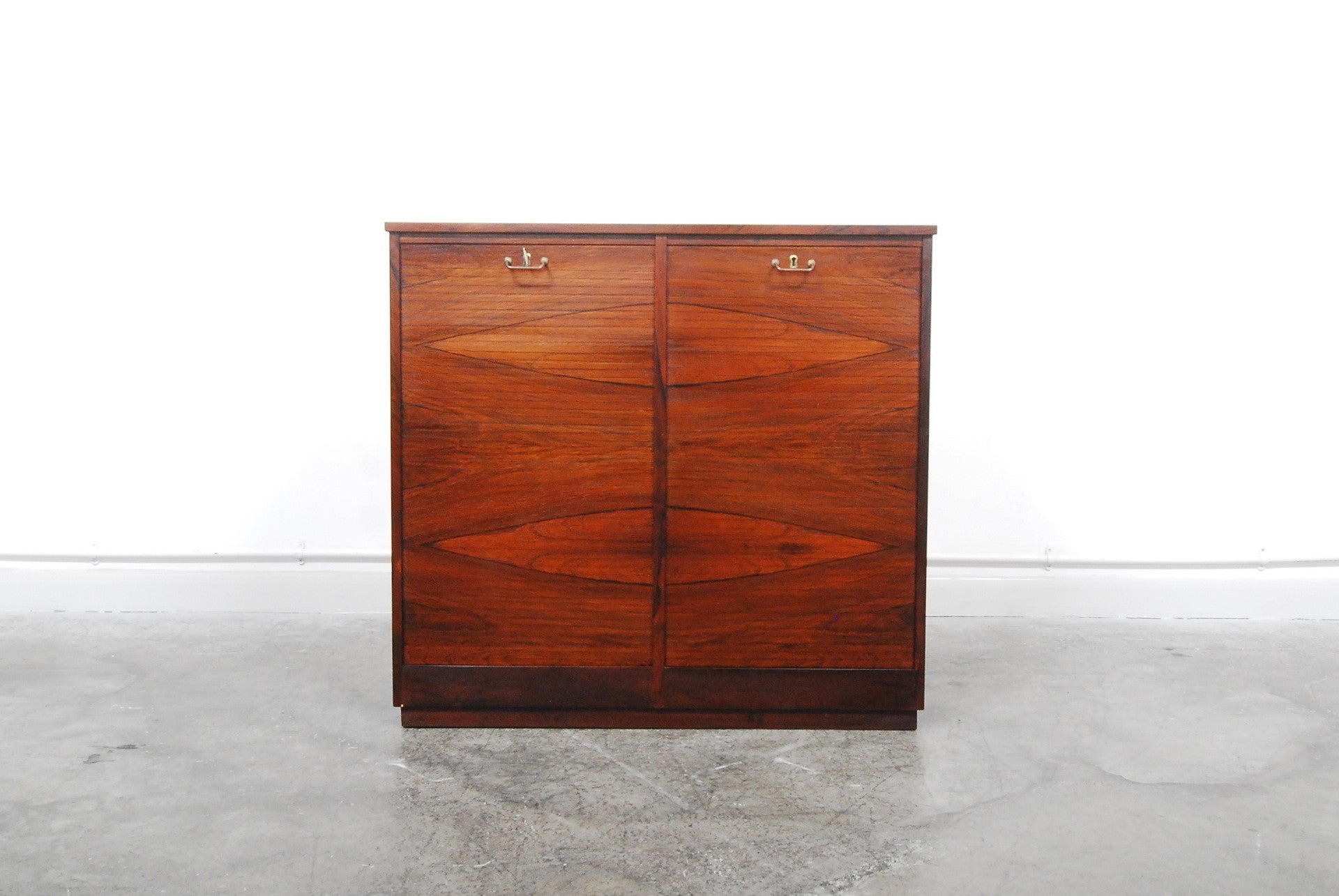 Double filing cabinet in rosewood