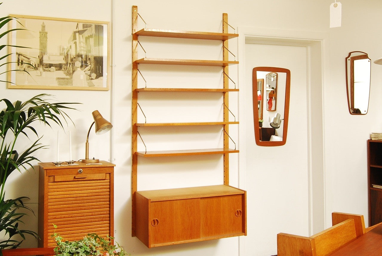 Single bay of oak Royal shelving
