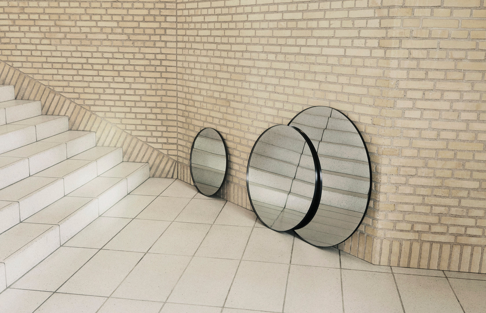 Circum mirror (Clear finish/110 cm) by AYTM