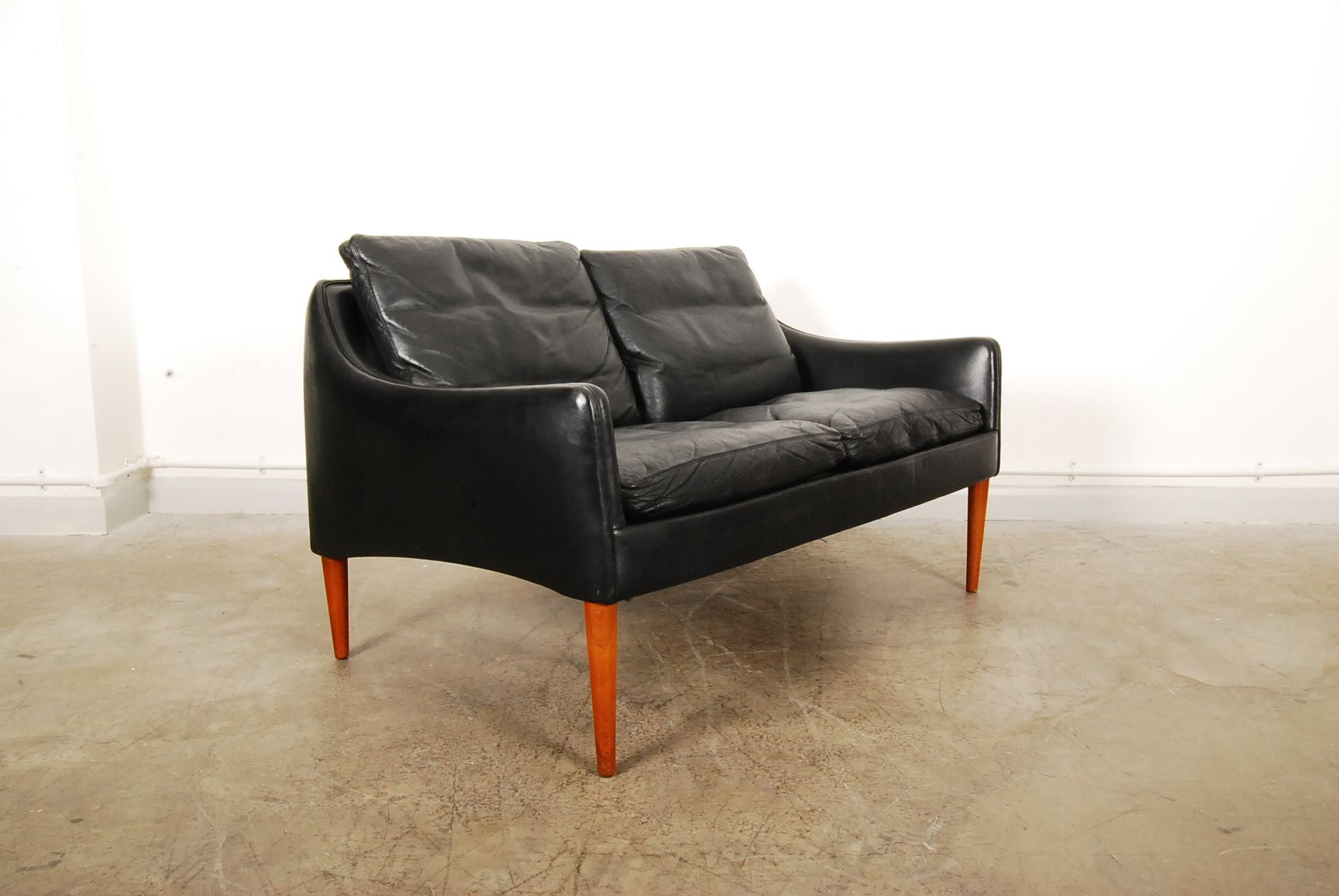 Two seater by Hans Olsen