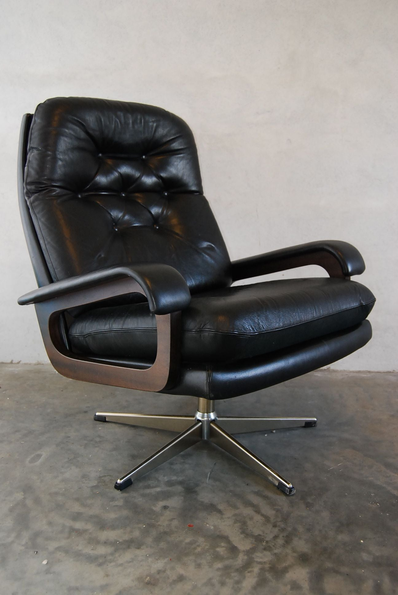 Chase & Sorensen Leather Lounge Chair