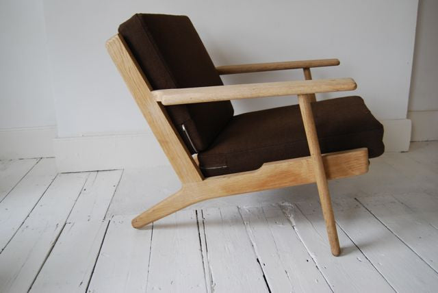 GE 290 lowback lounge chair by Wegner