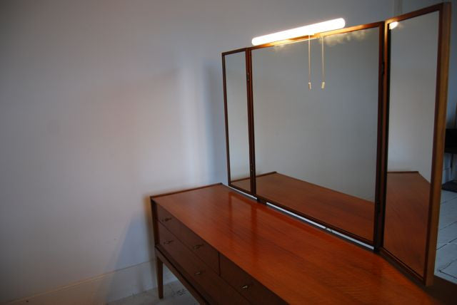 Chase & Sorensen Dressing table