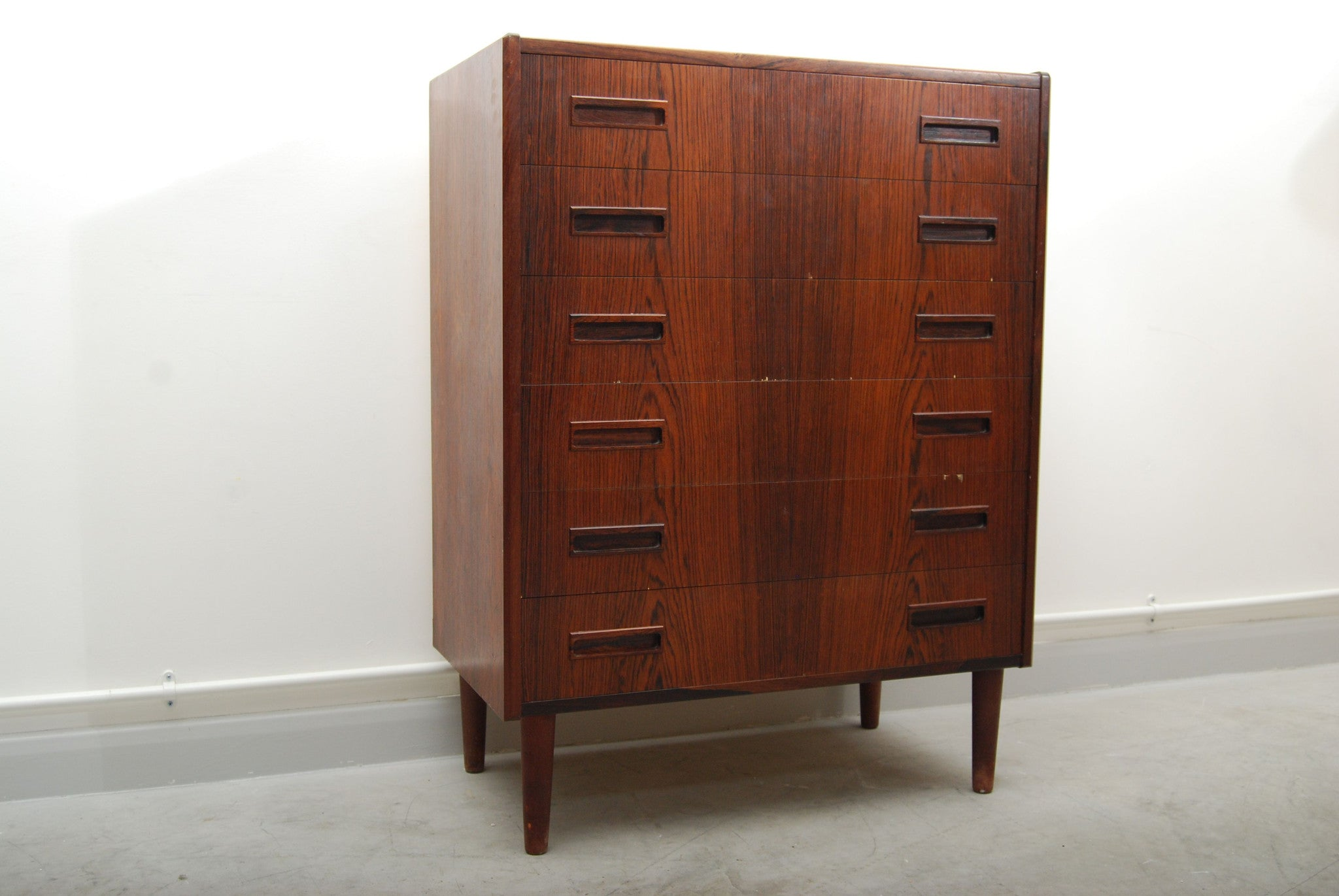 Rosewood chest of six drawers