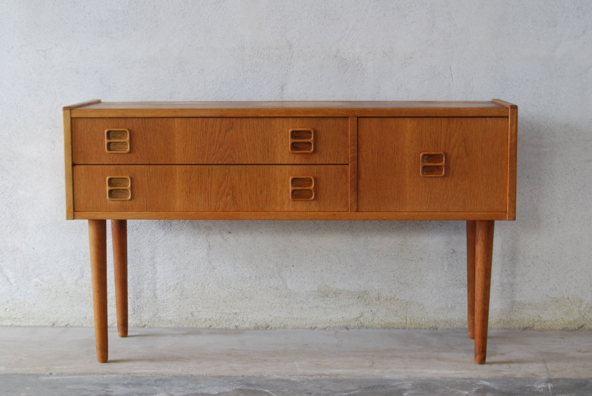 Spring cleaning special: Low oak chest