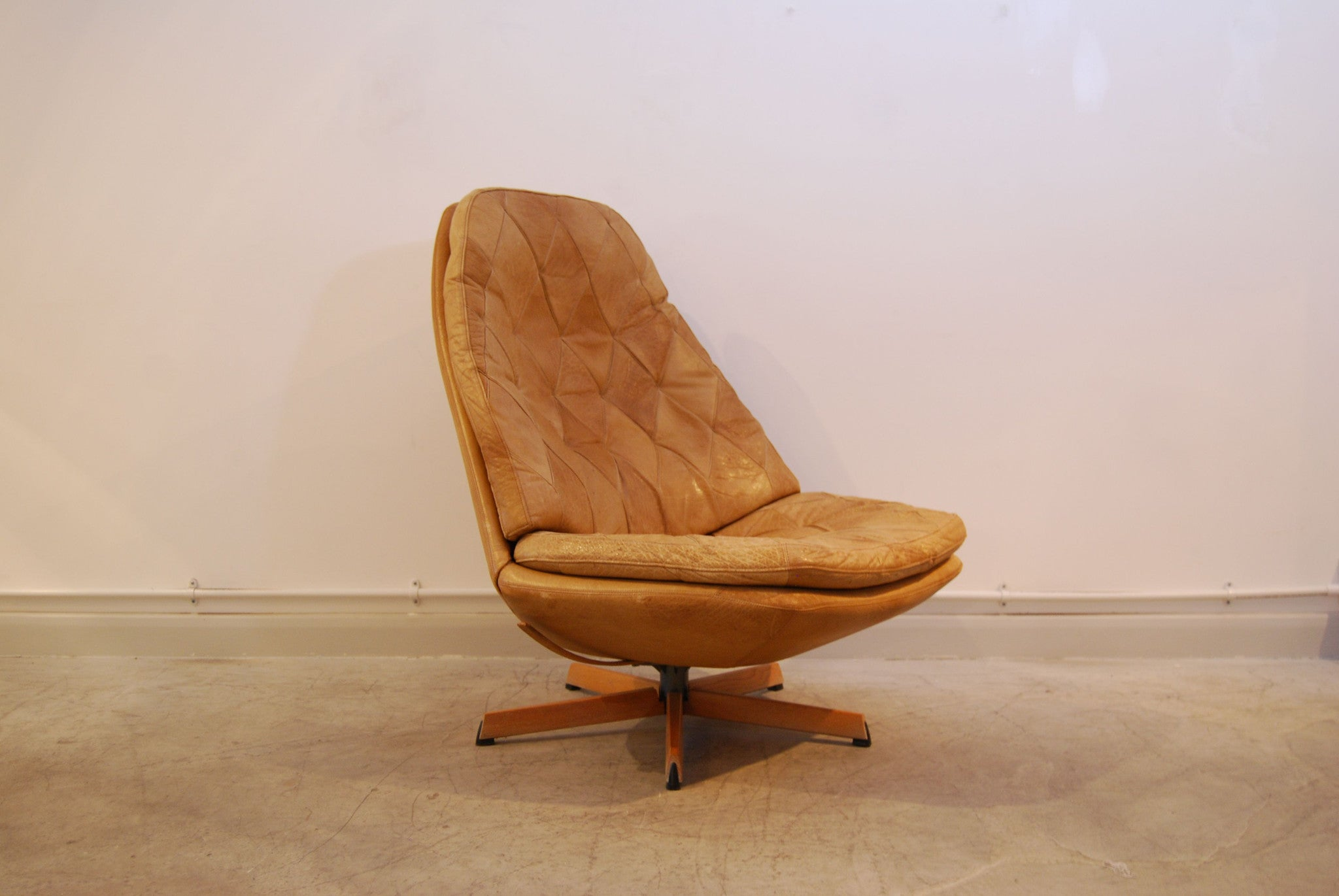 Chase & Sorensen Pair of reclining chairs by Madsen & Schubell