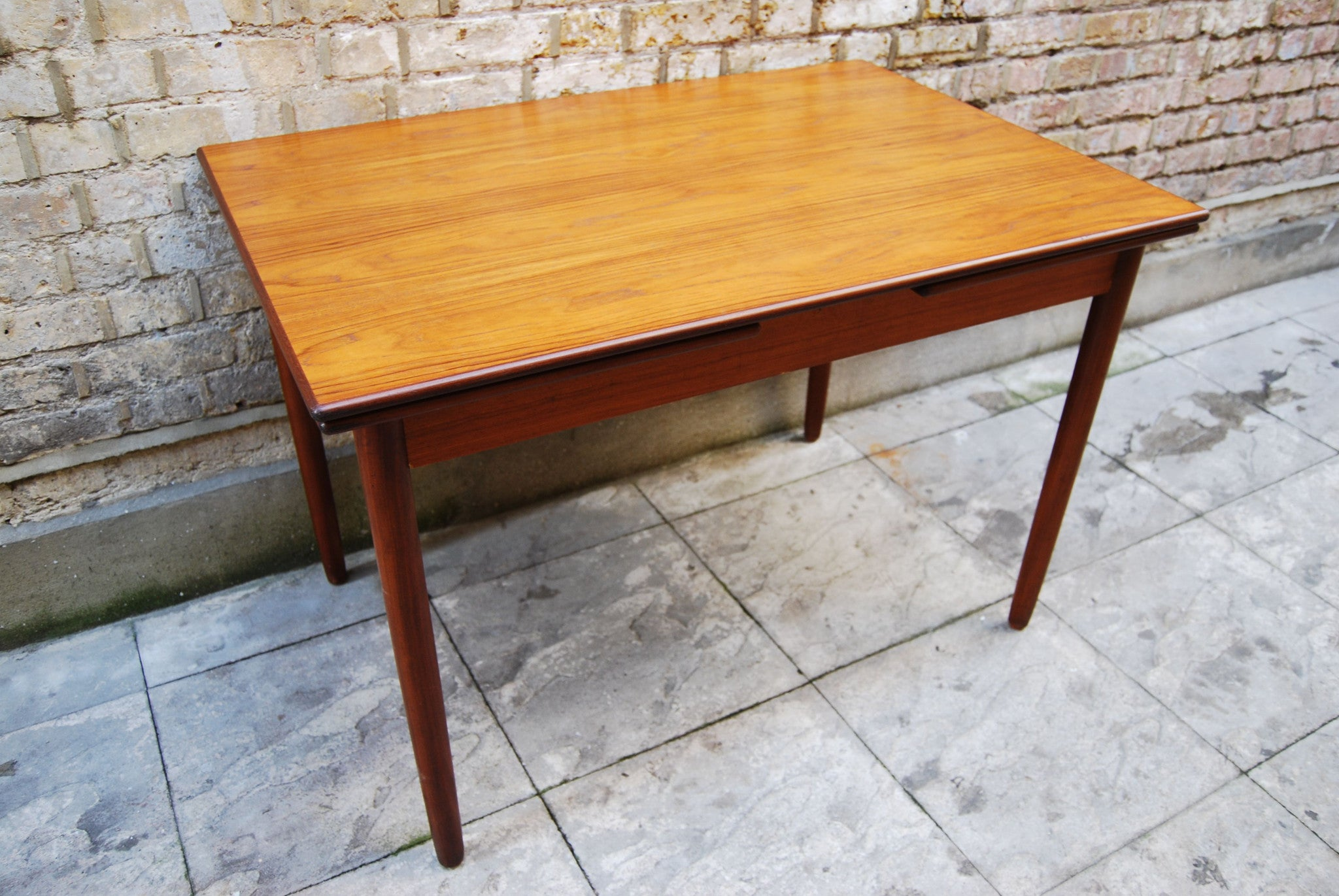 Kitchen dining table in teak