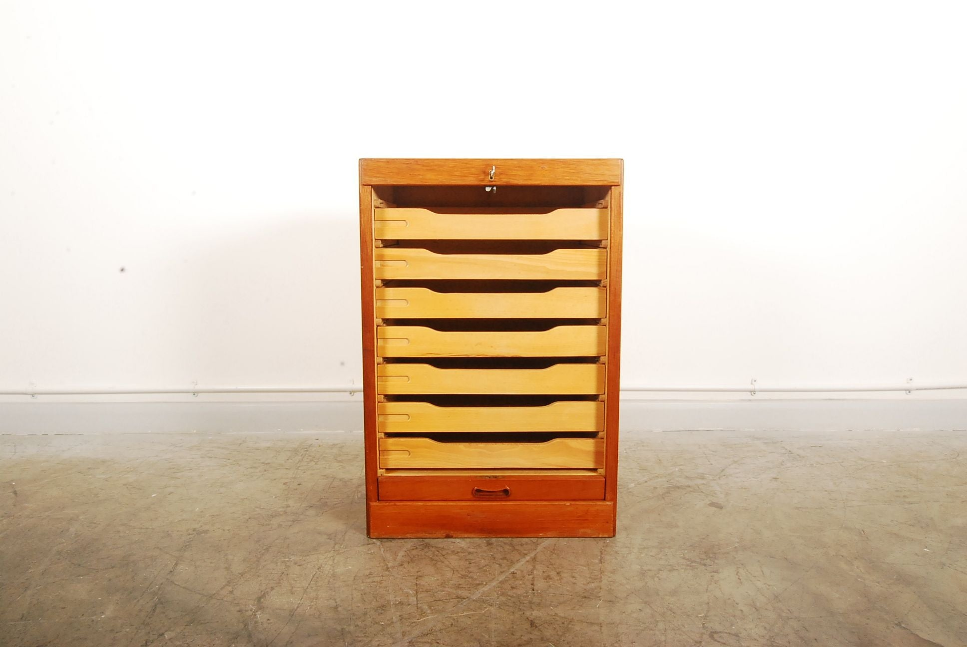 Short filing unit in teak and birch