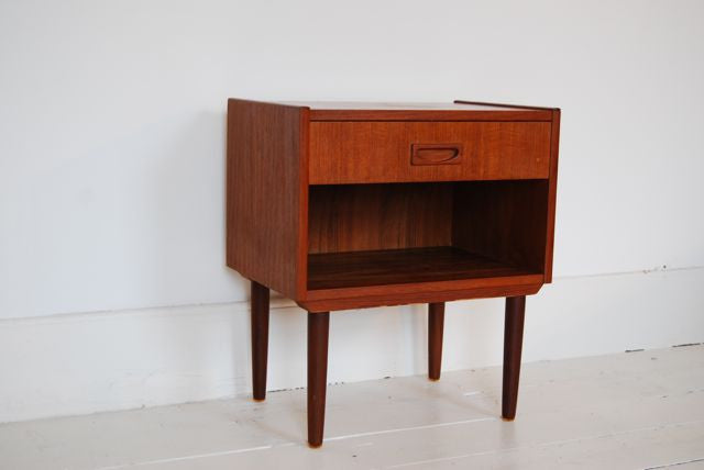 Chase & Sorensen Individual bedside table