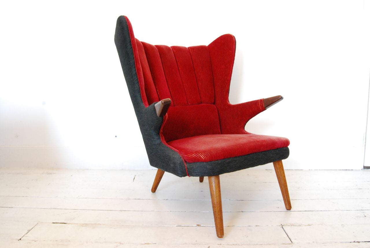 Wingback lounger
