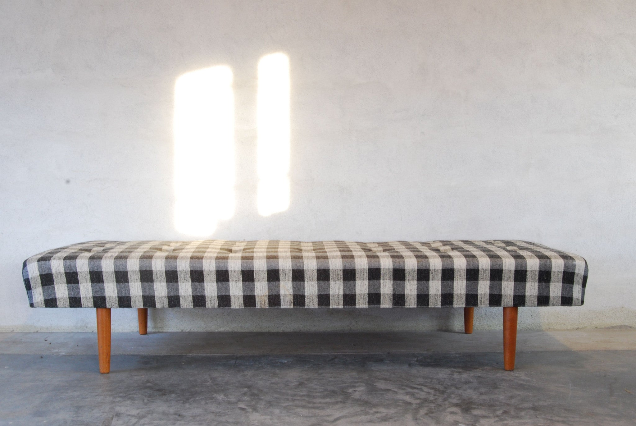 Spring cleaning special: Daybed
