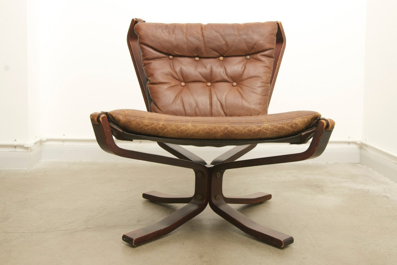 Leather and beech lounge chair