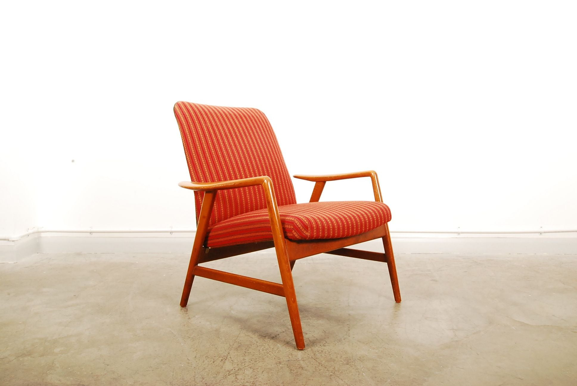 Low back Kontour lounge chair by Alf Svensson