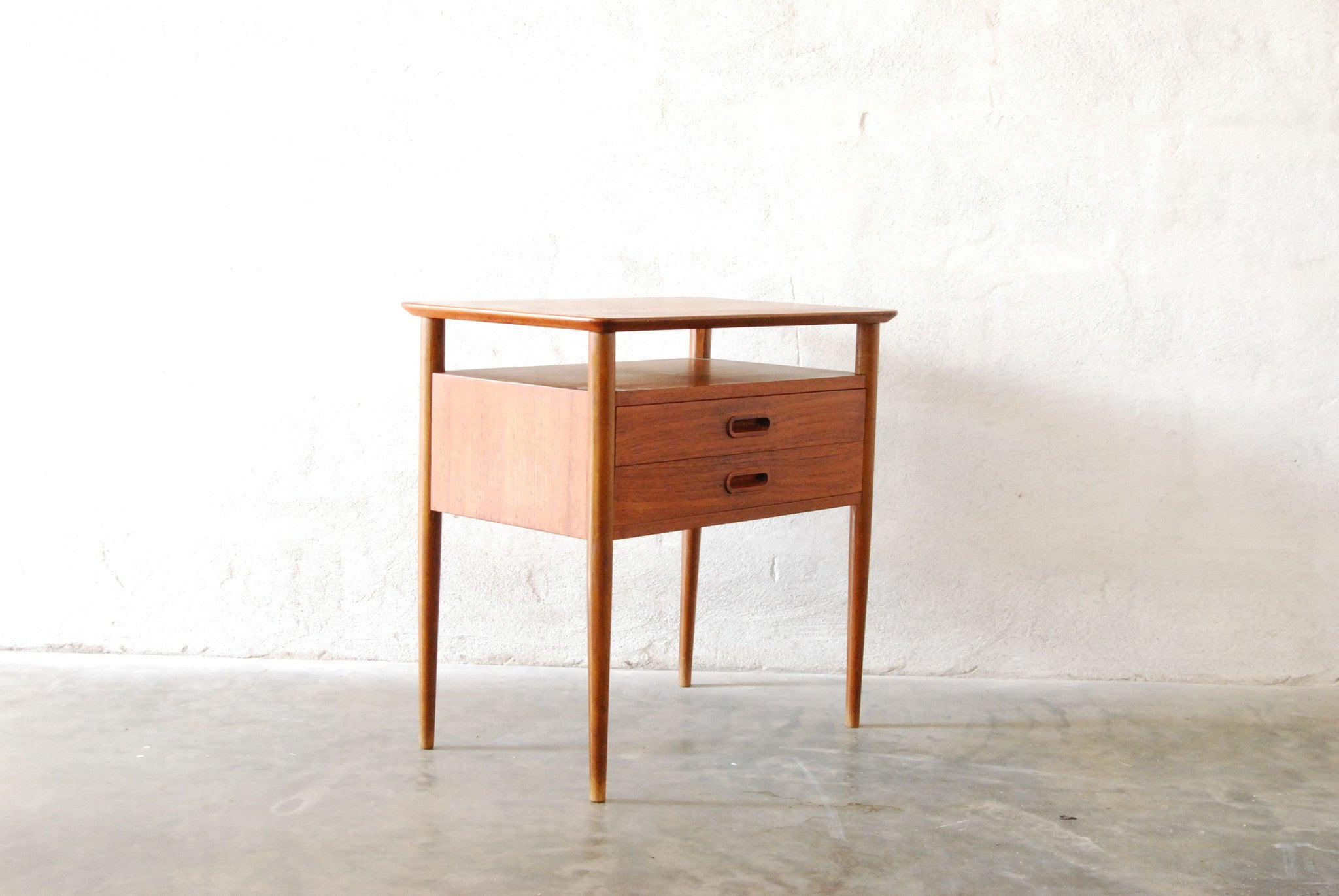 Side table / bedside table in teak