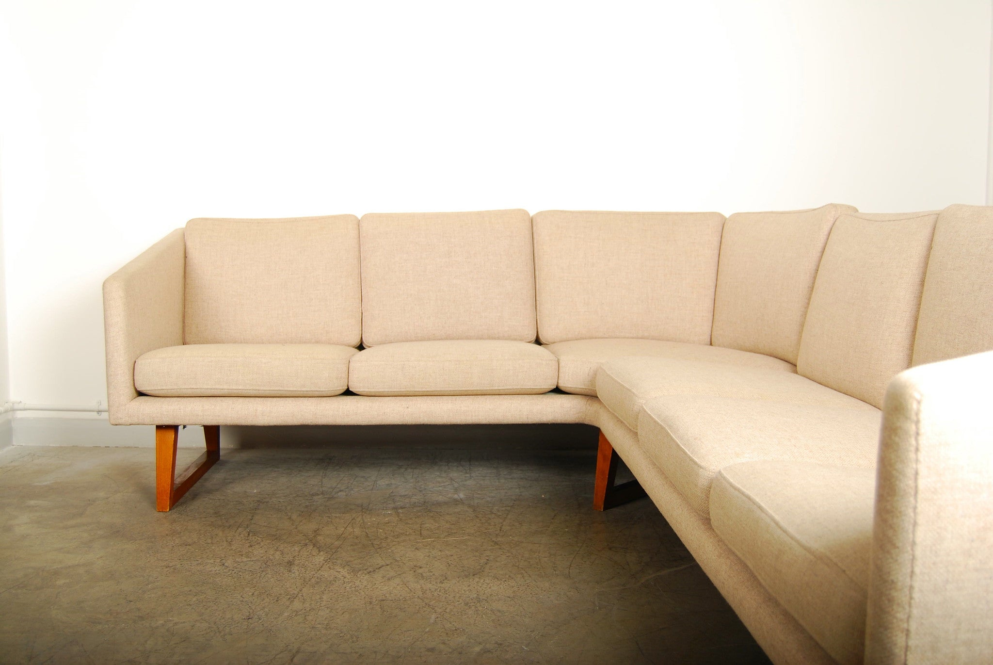 Chase & Sorensen Corner sofa in wool on teak legs
