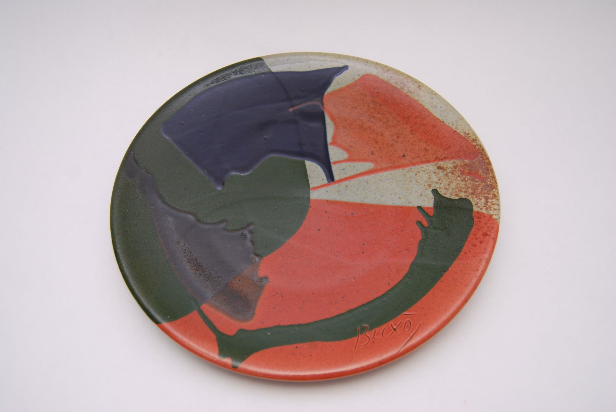 Decorative wall plate by Buxo
