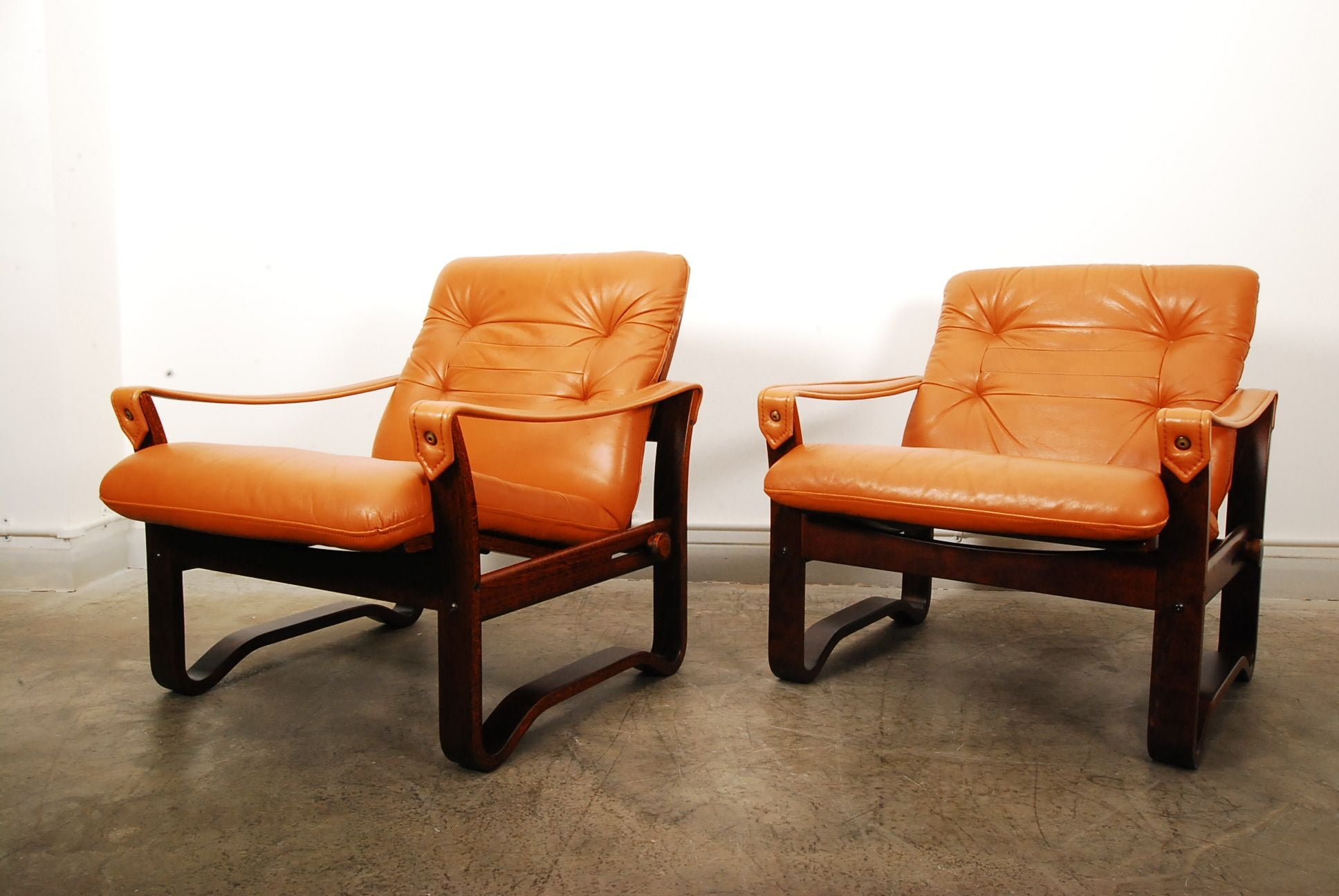 Pair of reclining loungers