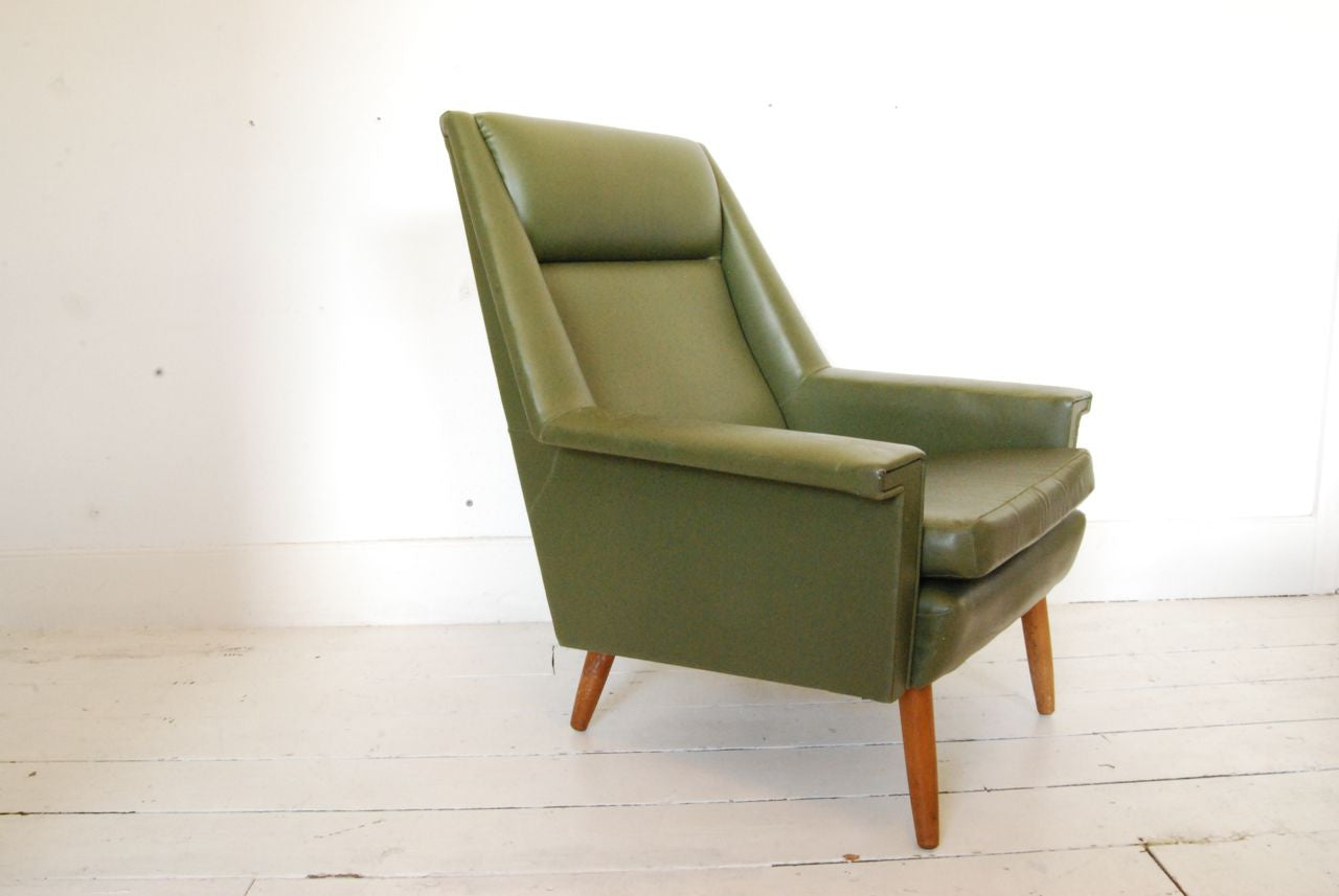 Make us an offer: Lounge chair upholstered in Skai