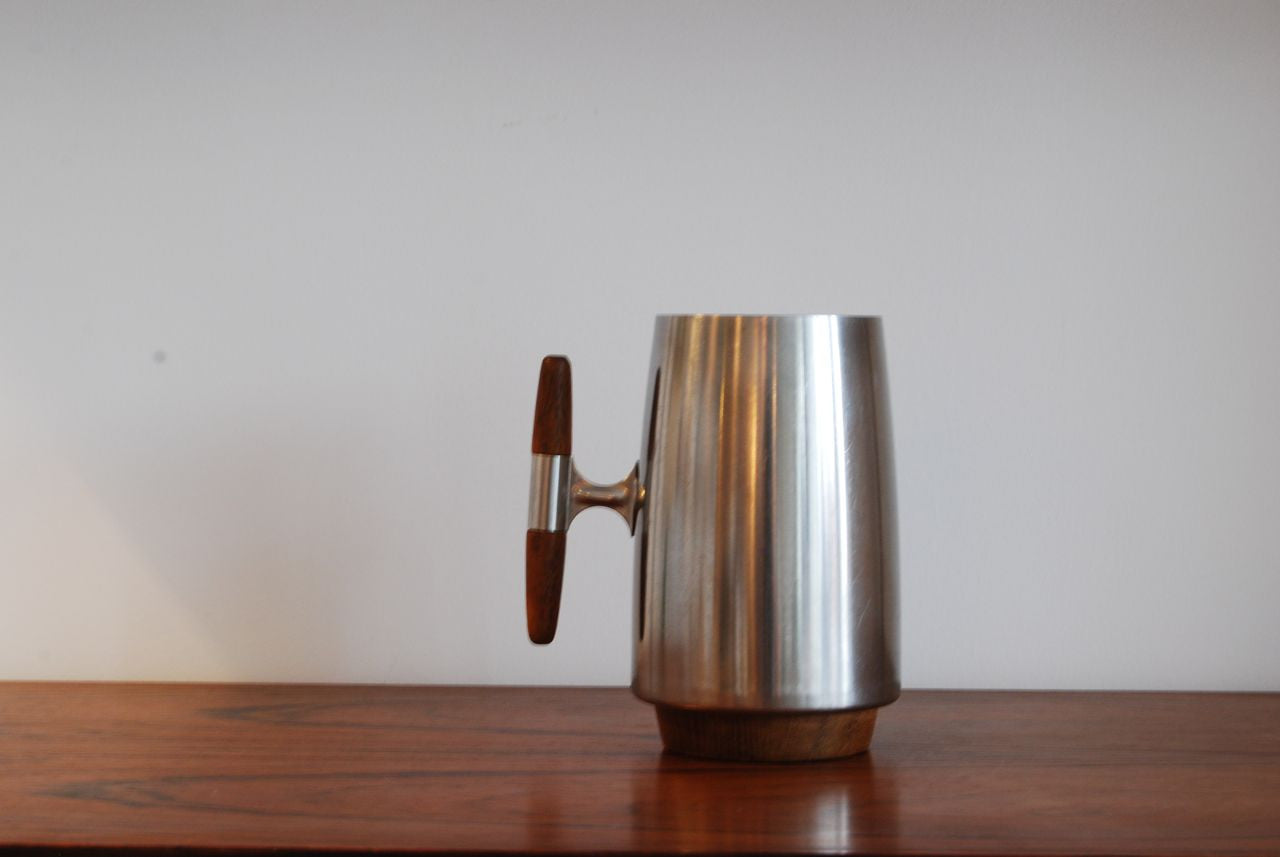 Stainless steel tankard with teak detail