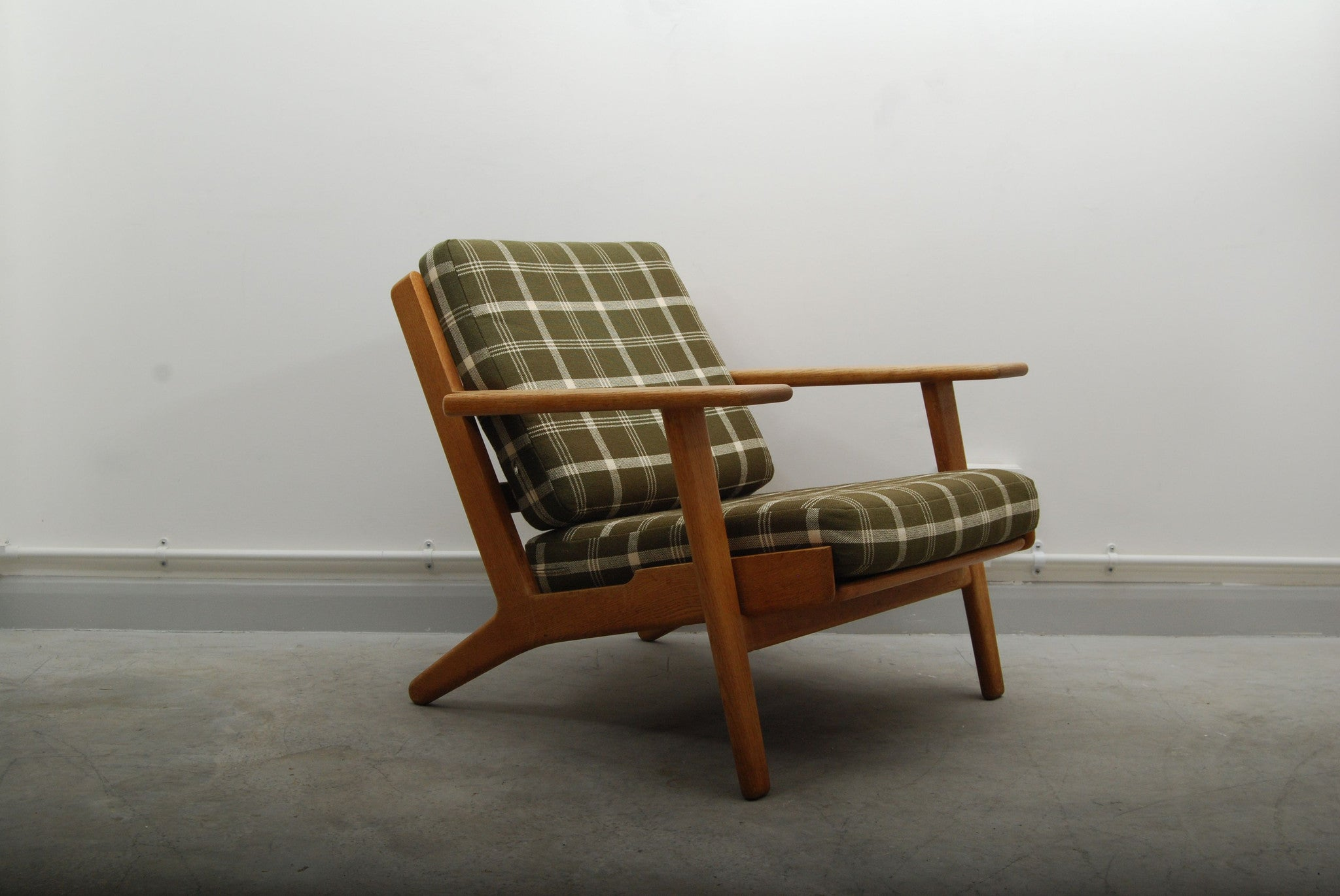 Plank chair by Hans J. Wegner