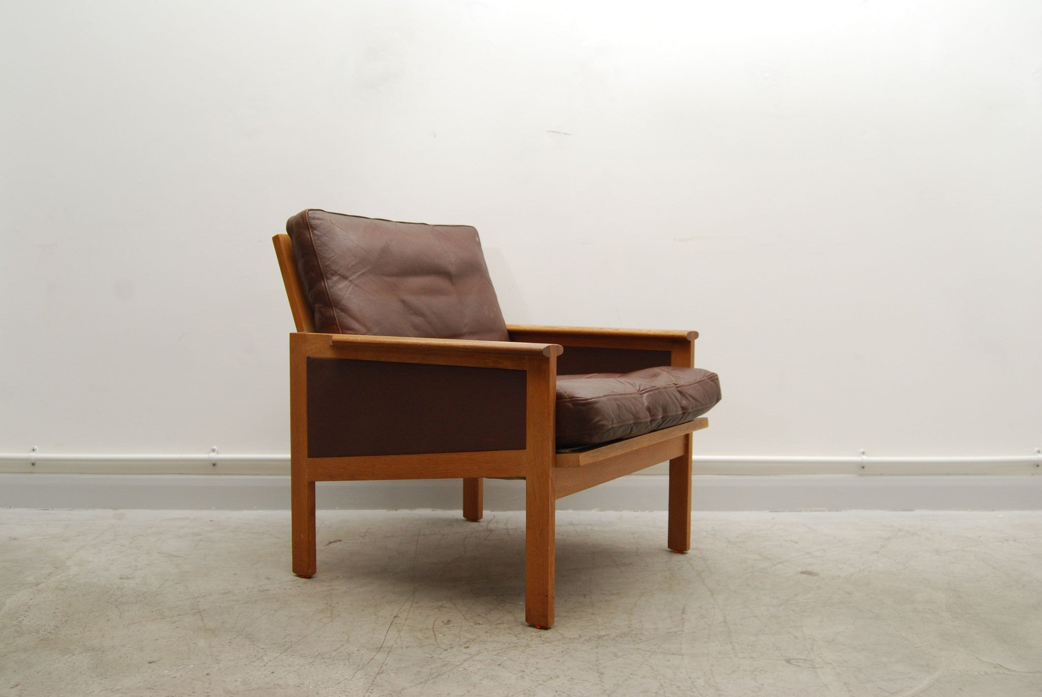 Oak lounge chair by Illum WikkelsíŸ