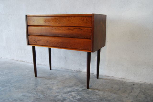 Short chest of drawers in rosewood