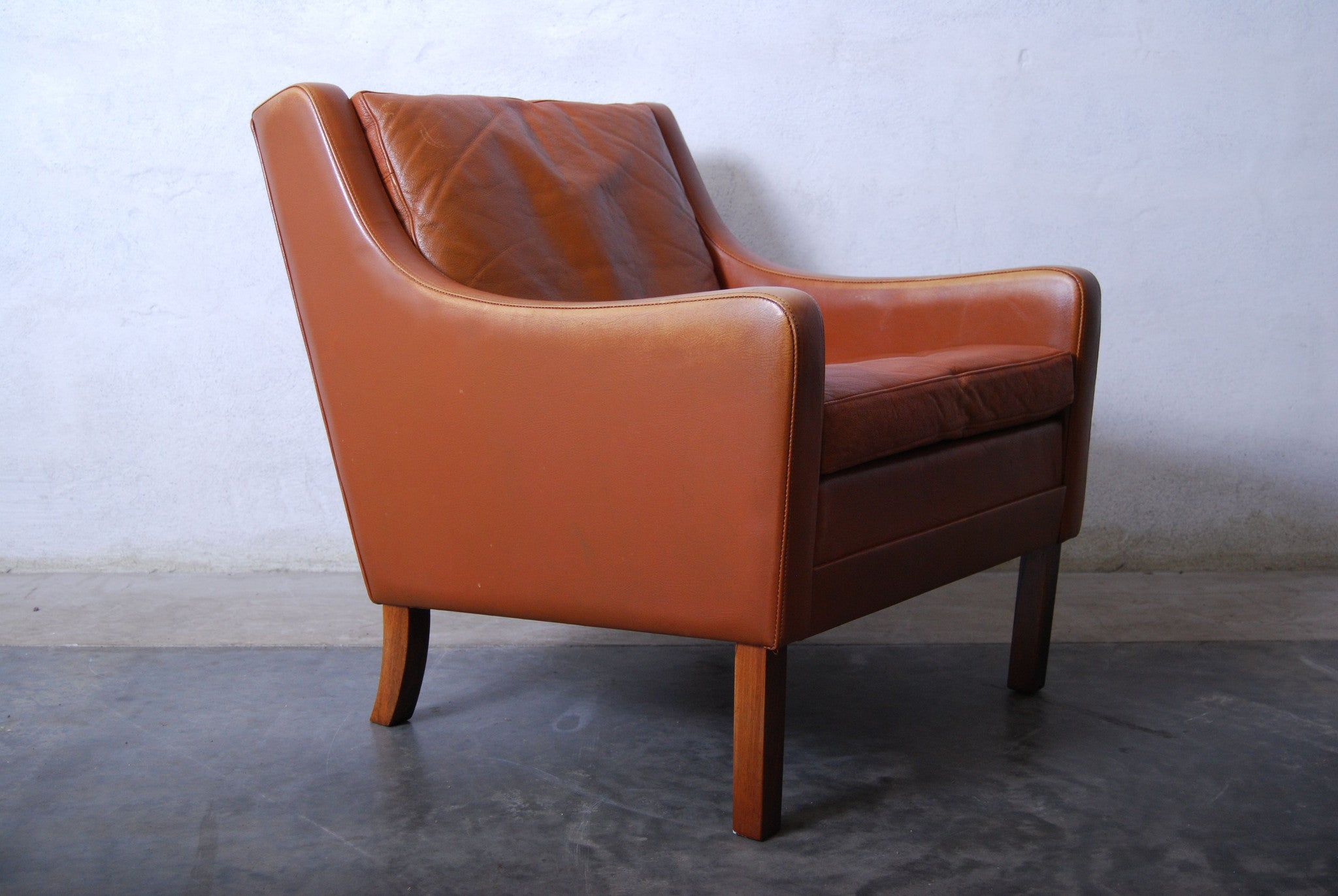 Pair of lounge chairs in style of Mogensen