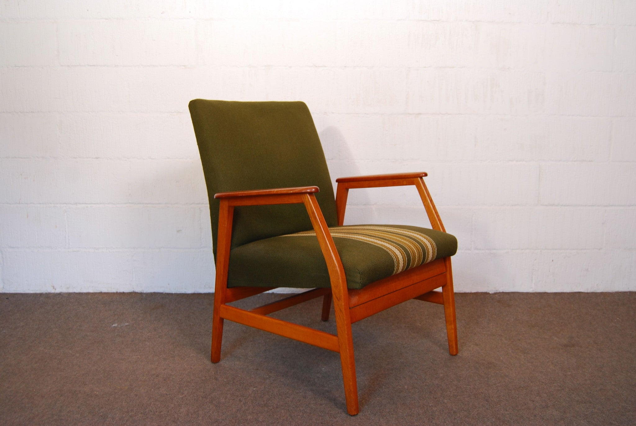 Teak reclining easy chair