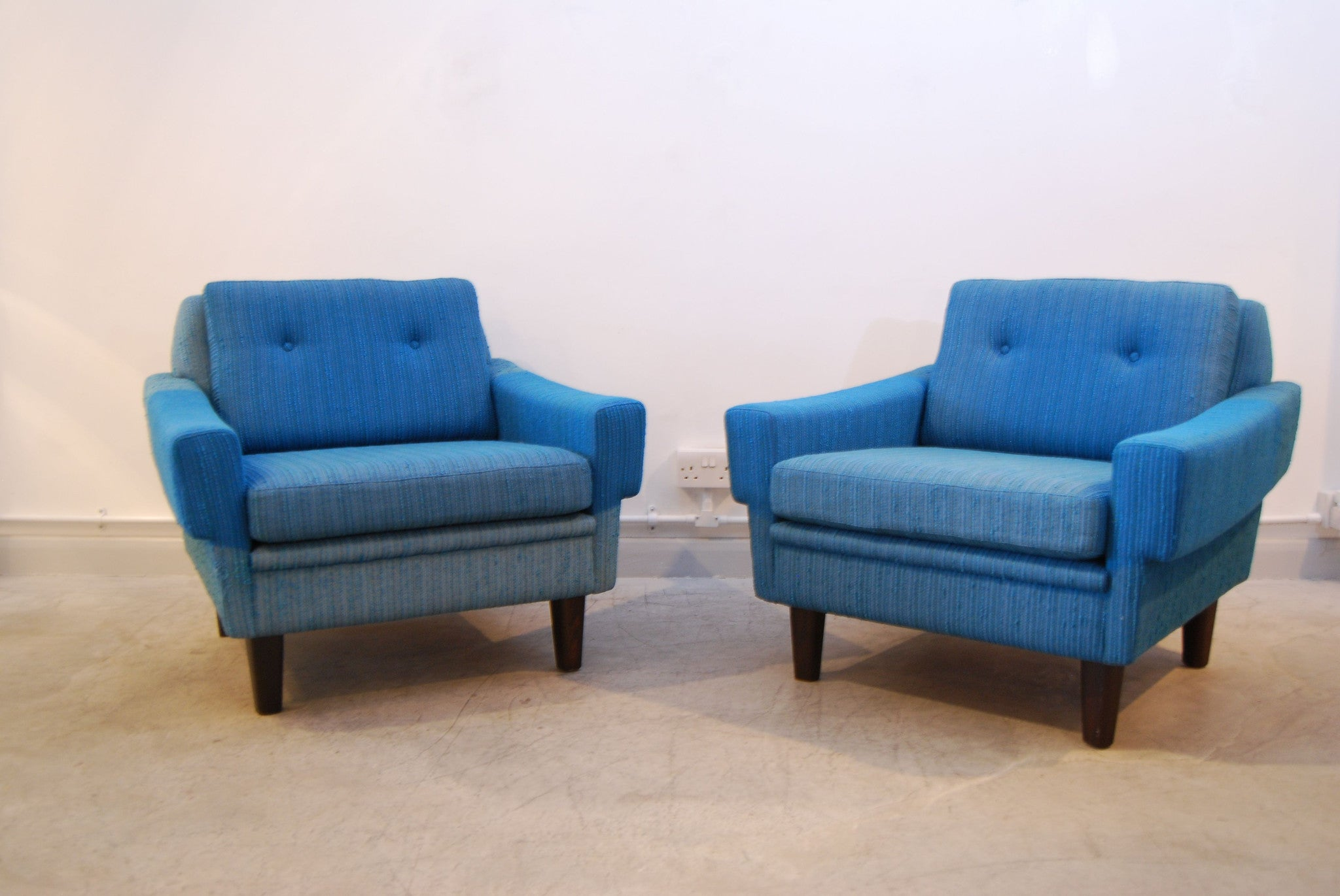 Pair of sea blue lounge chairs