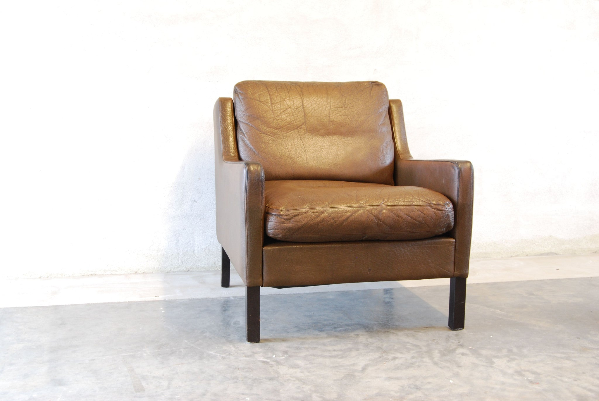 Lounge chair in buffalo leather