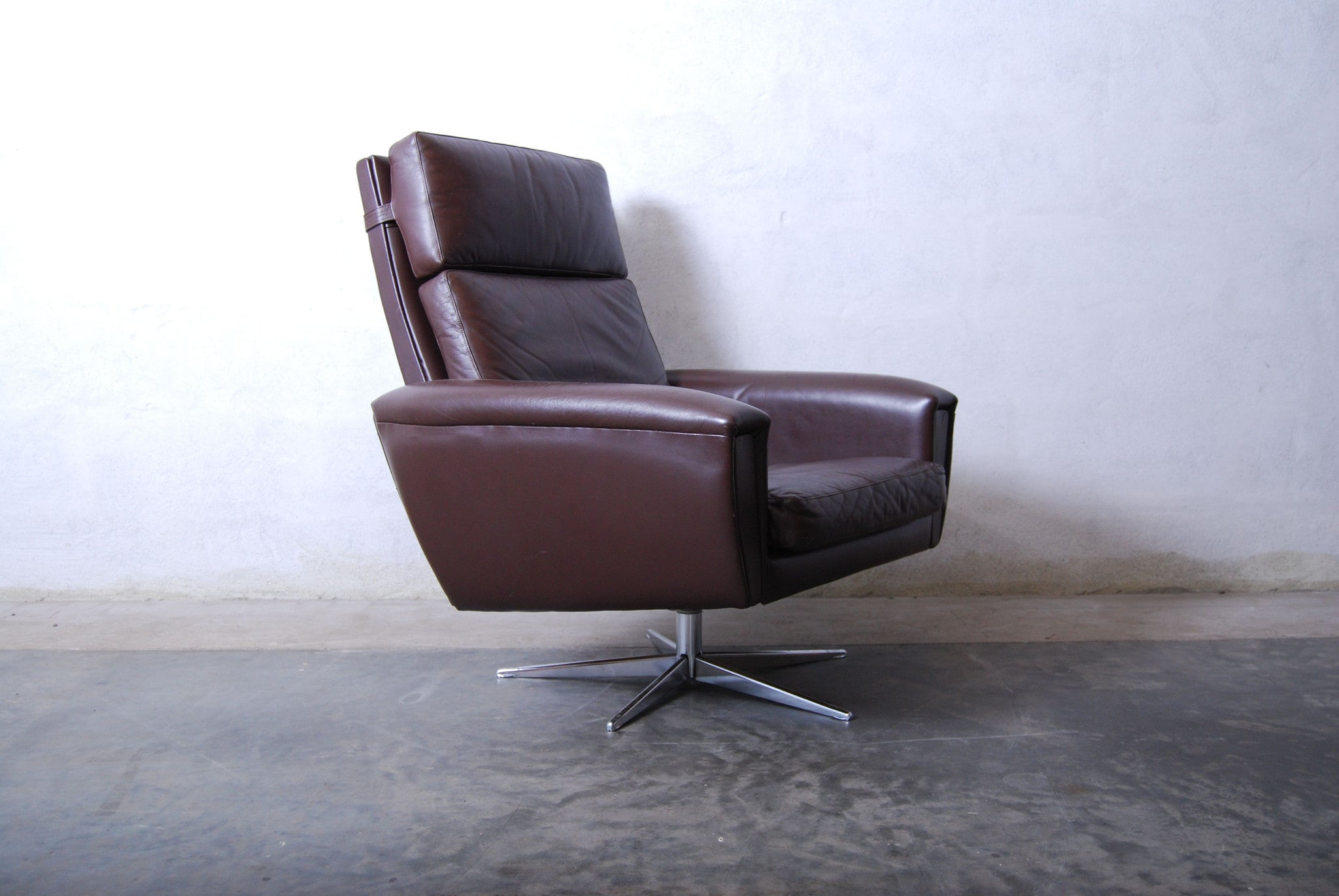 Chase & Sorensen Highback leather swivel chair