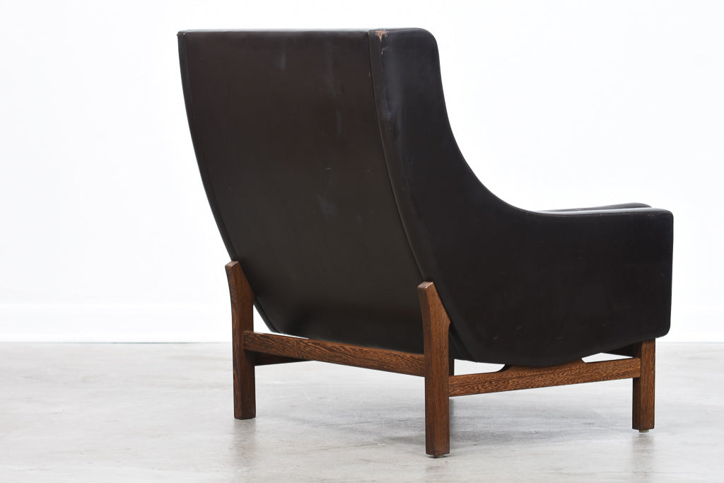 Wing back leather lounger by Erik Jørgensen