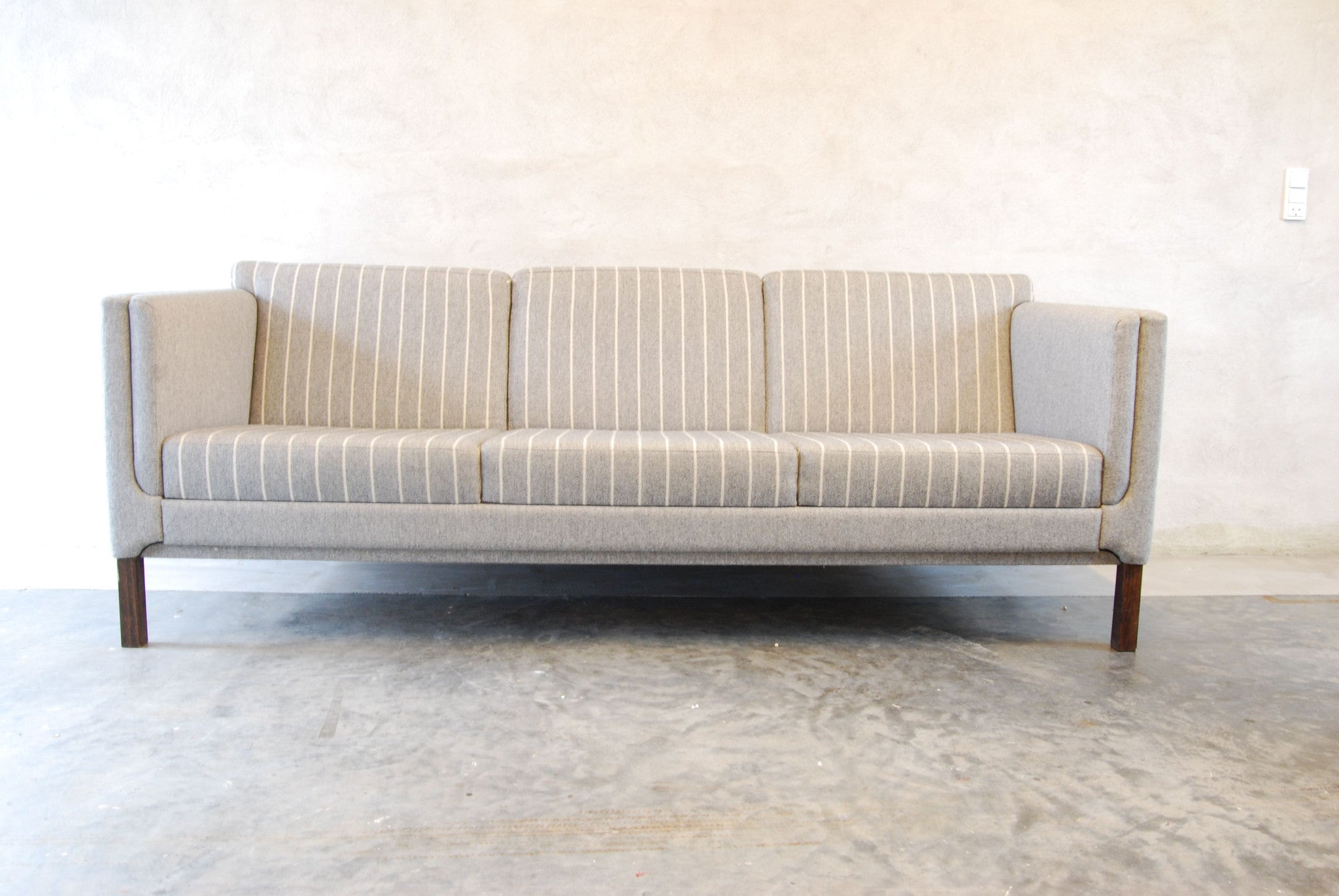 Three seater in gray/white stripes