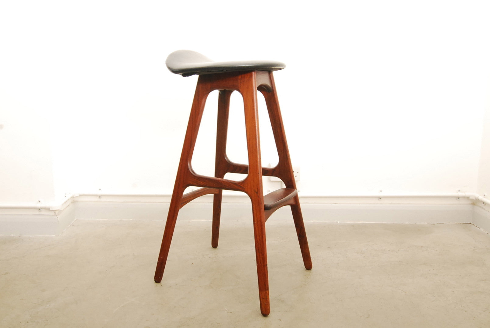 OD-61 rosewood bar stool by Erik Buch