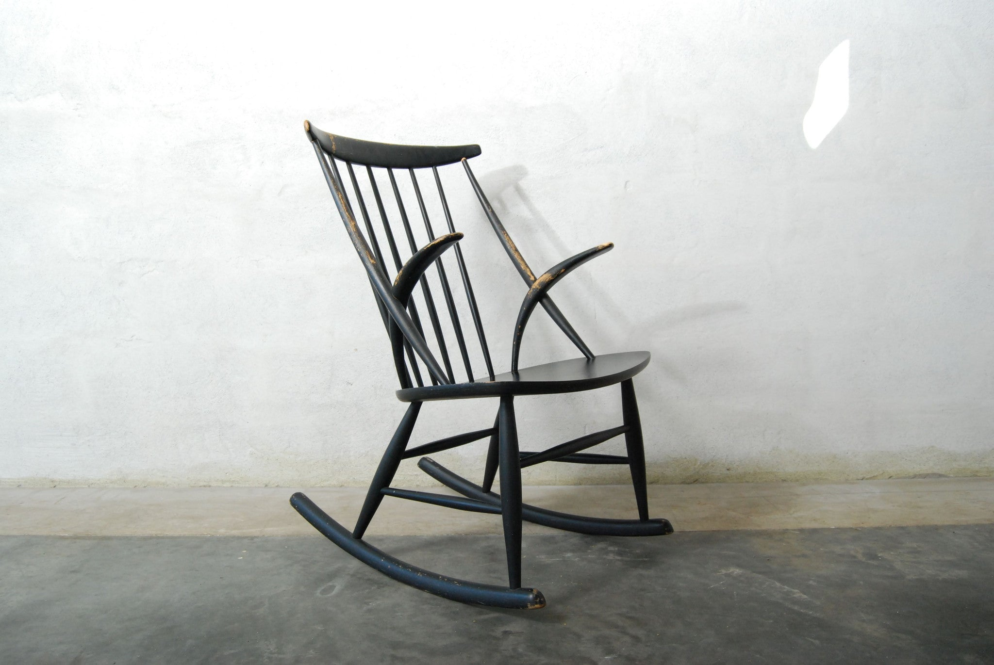 Rocking chair by Illum Wikkels