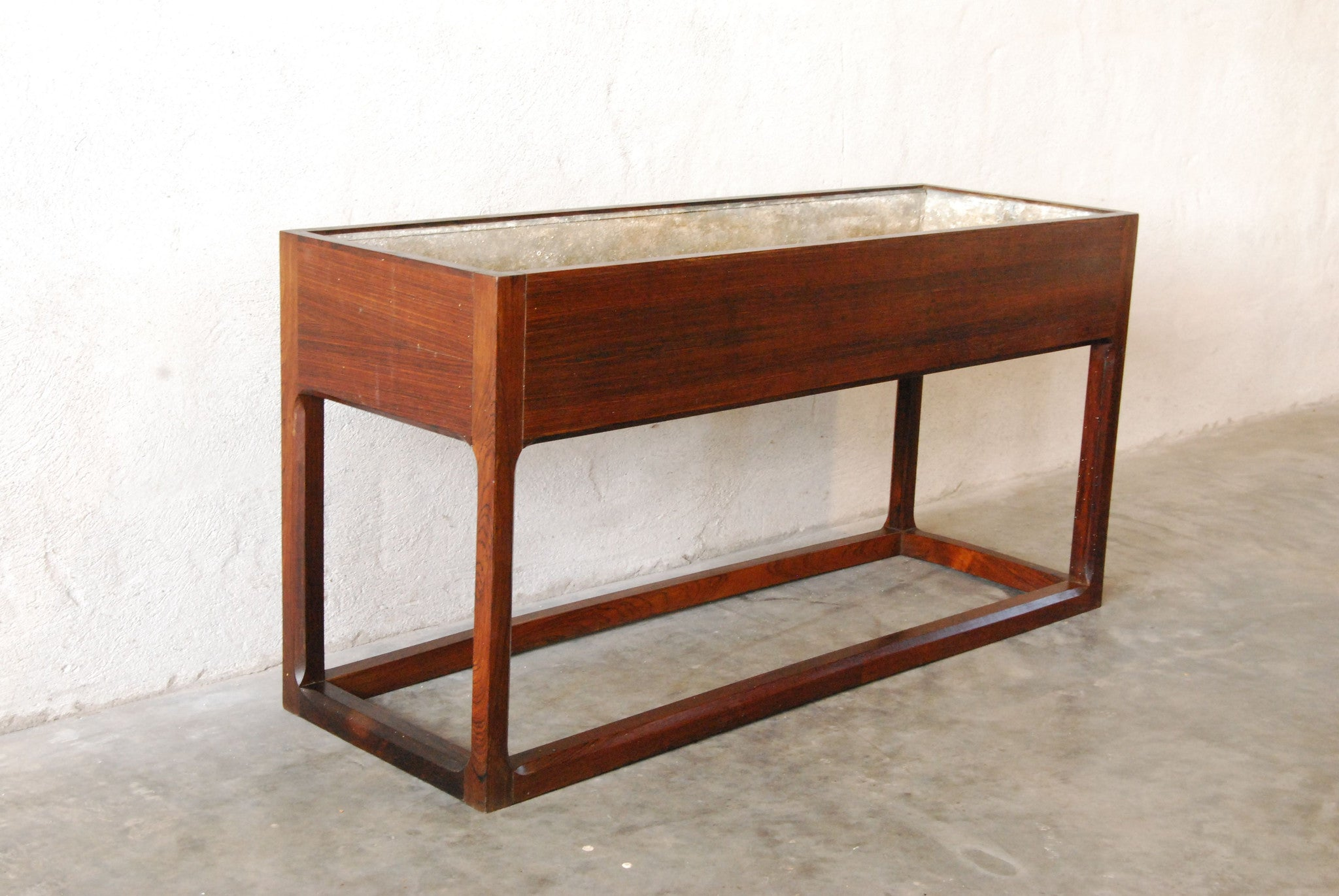 Rosewood plant trough