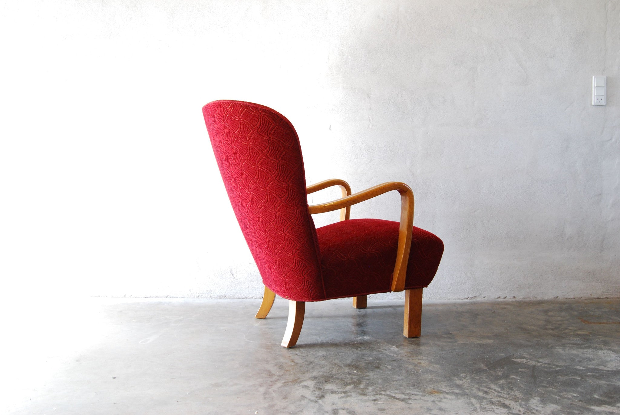 Chase & Sorensen 1950s lounge chair with beech armrests