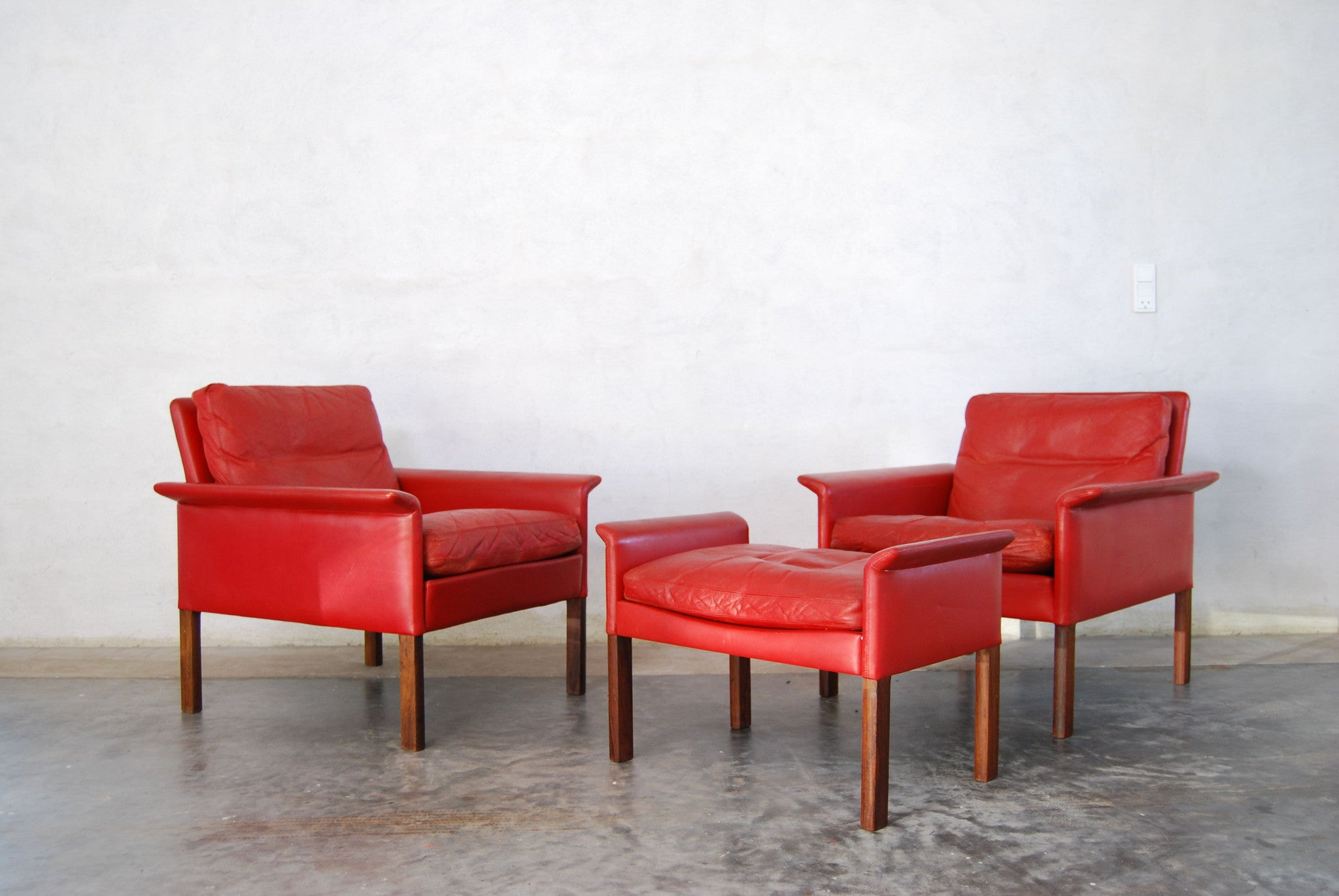 Pair of lounge chairs by Hans Olsen