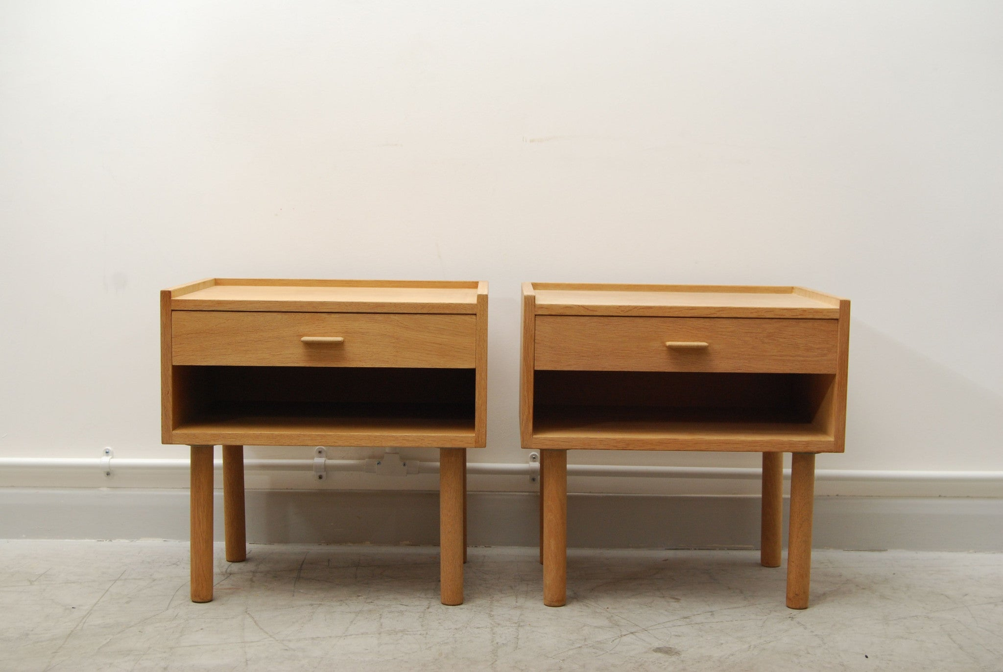 Pair of oak bedside tables by Hans Wegner