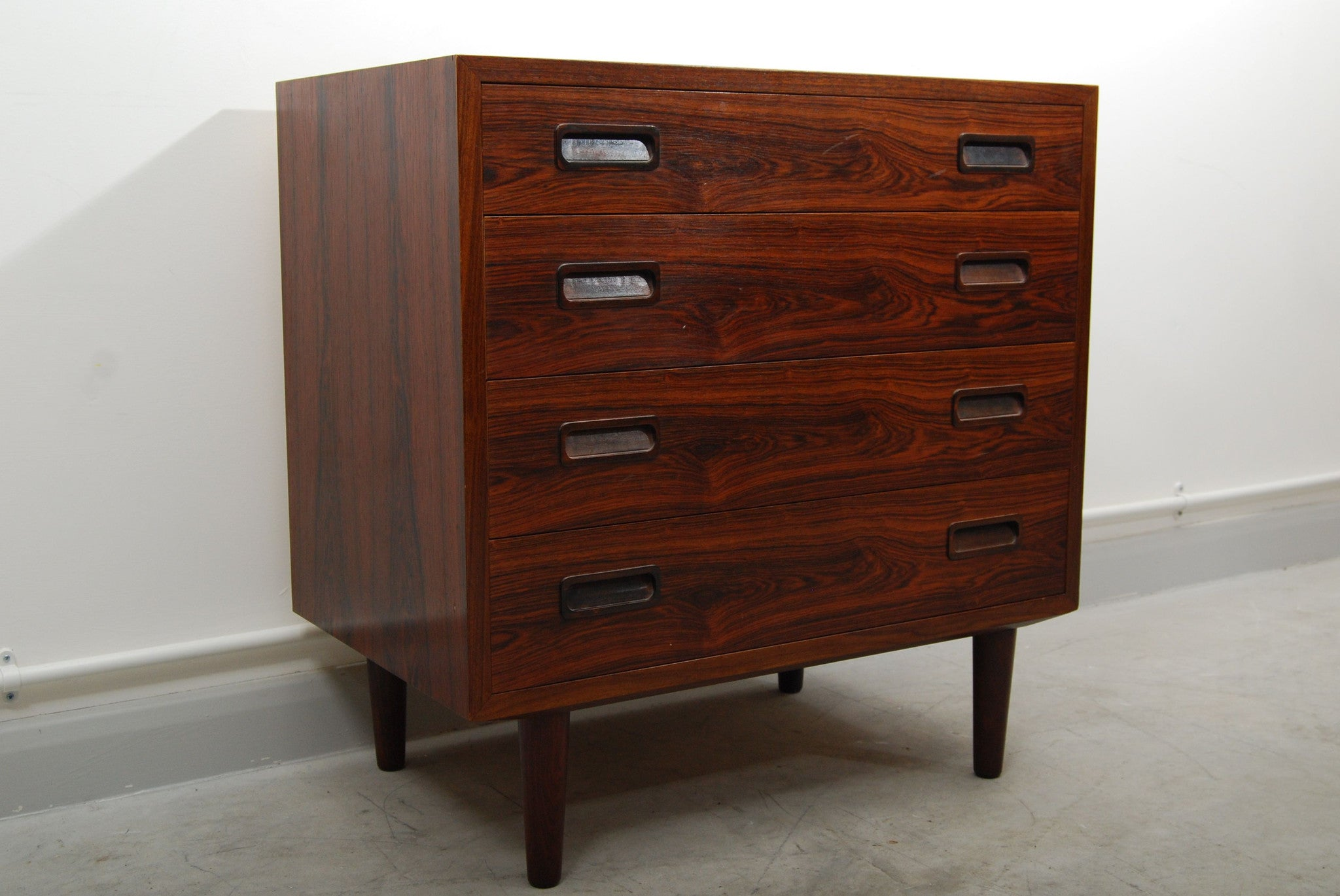Short rosewood chest by Poul Hundevad