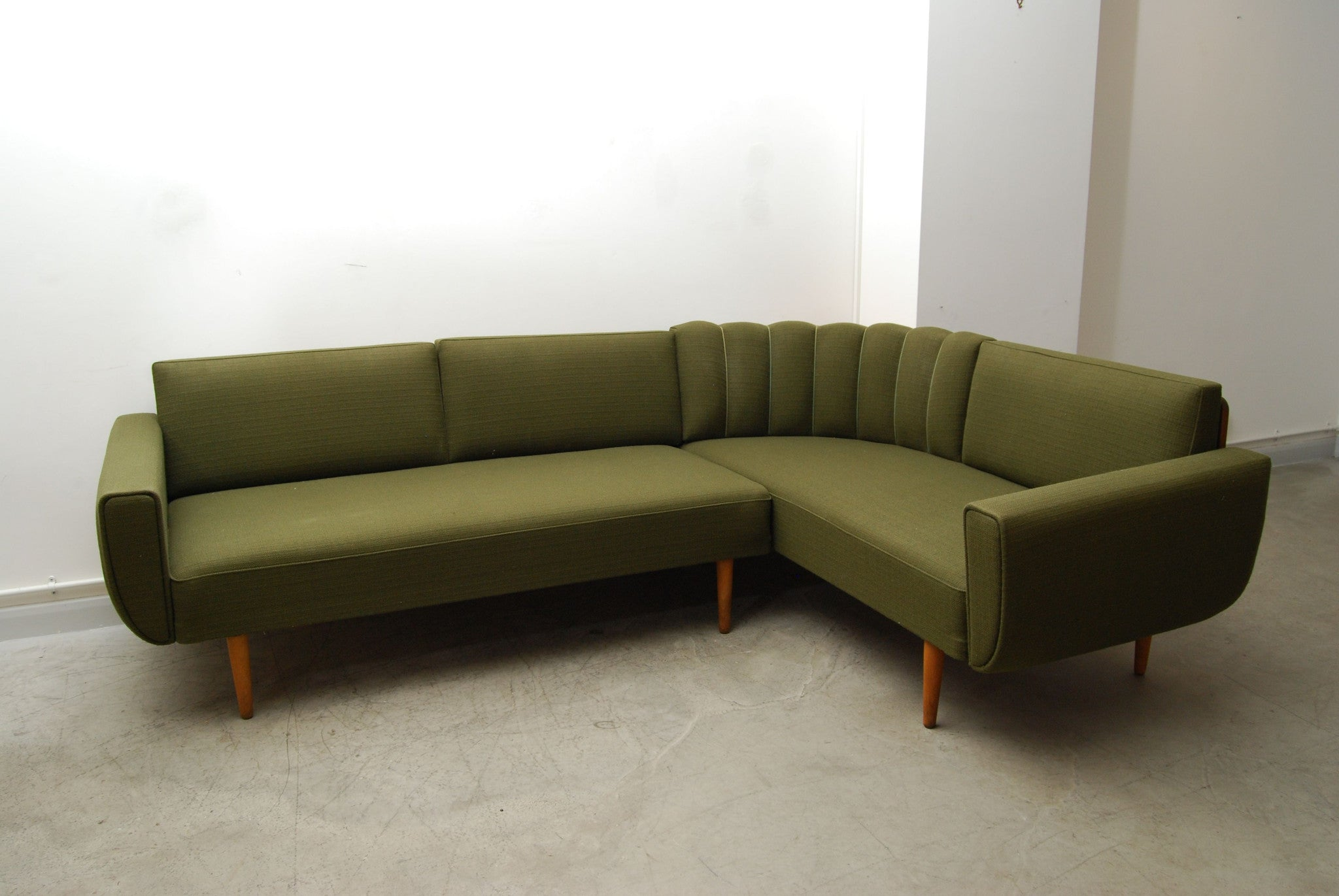 Chase & Sorensen L-shaped sofa / sofabed
