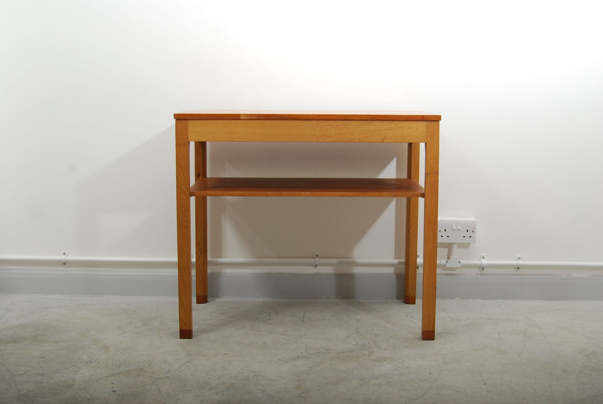 New price: Prison desk by SKM