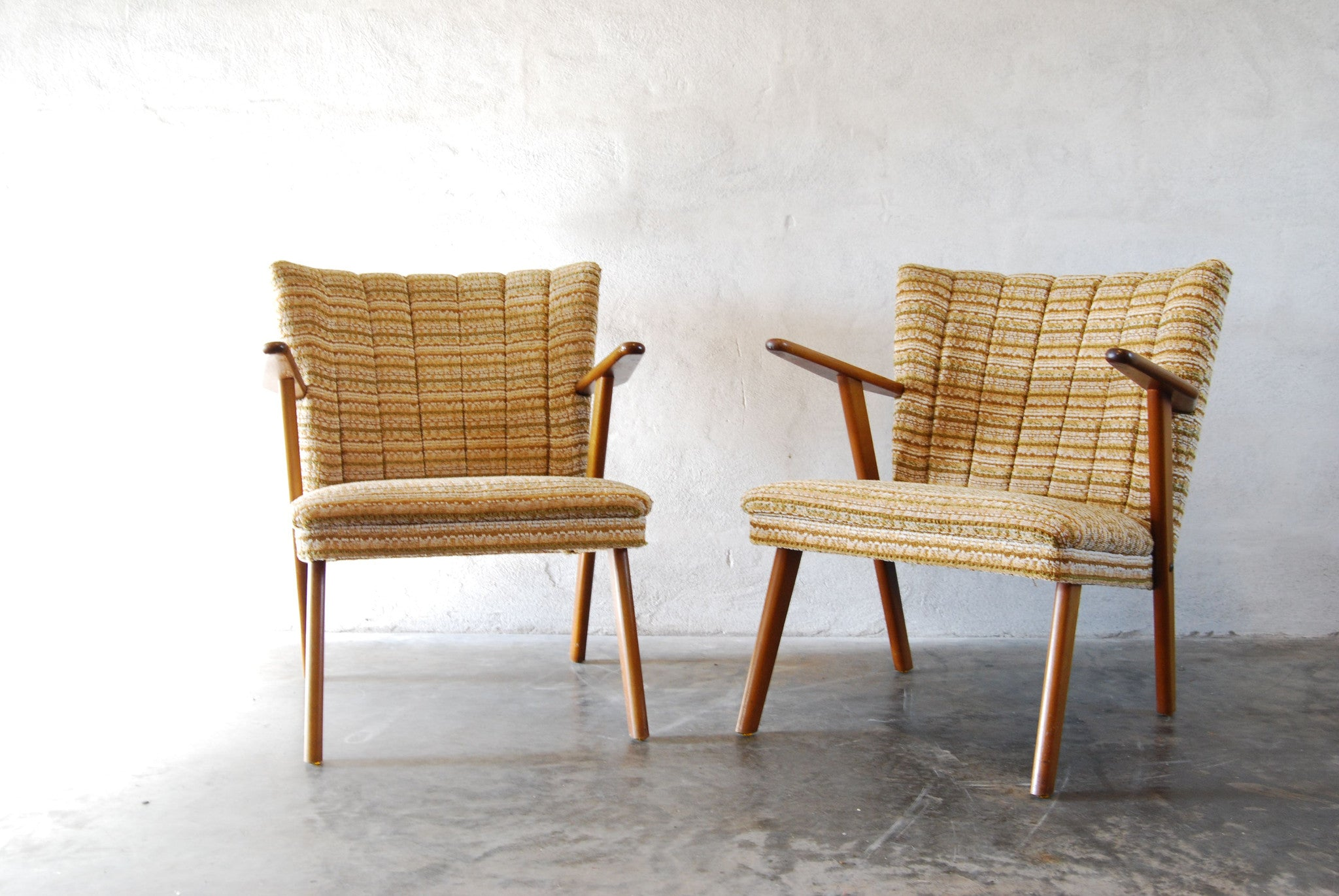 Pair of occasional chairs in beech