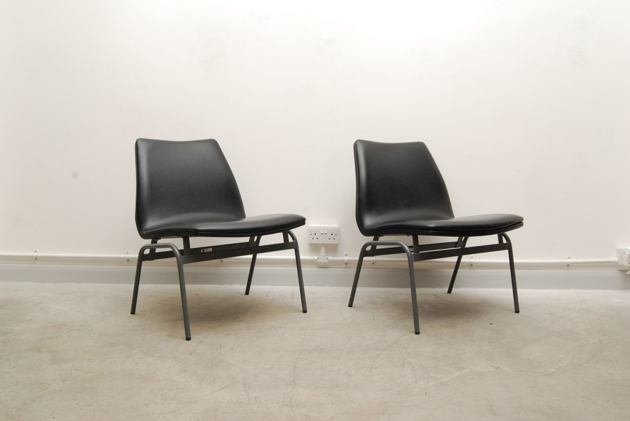 New price: Pair of occasional chairs by DUBA