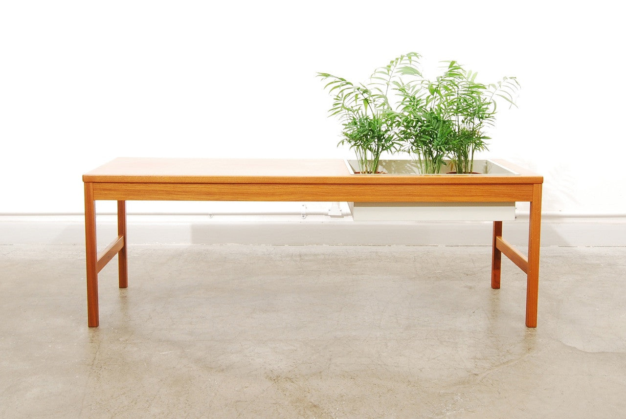 Chase & Sorensen Coffee table with planter