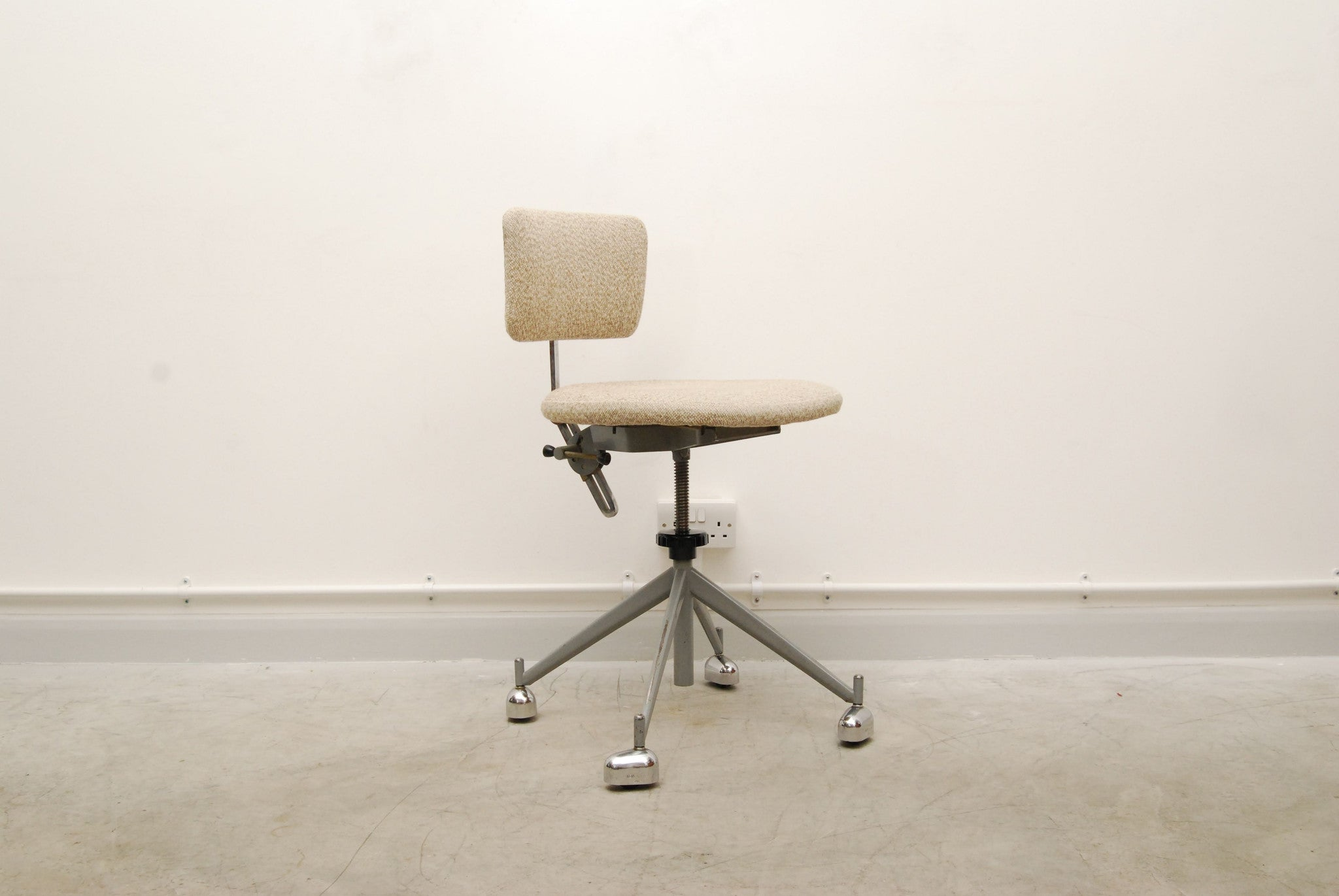 Desk/work chair by KEVI
