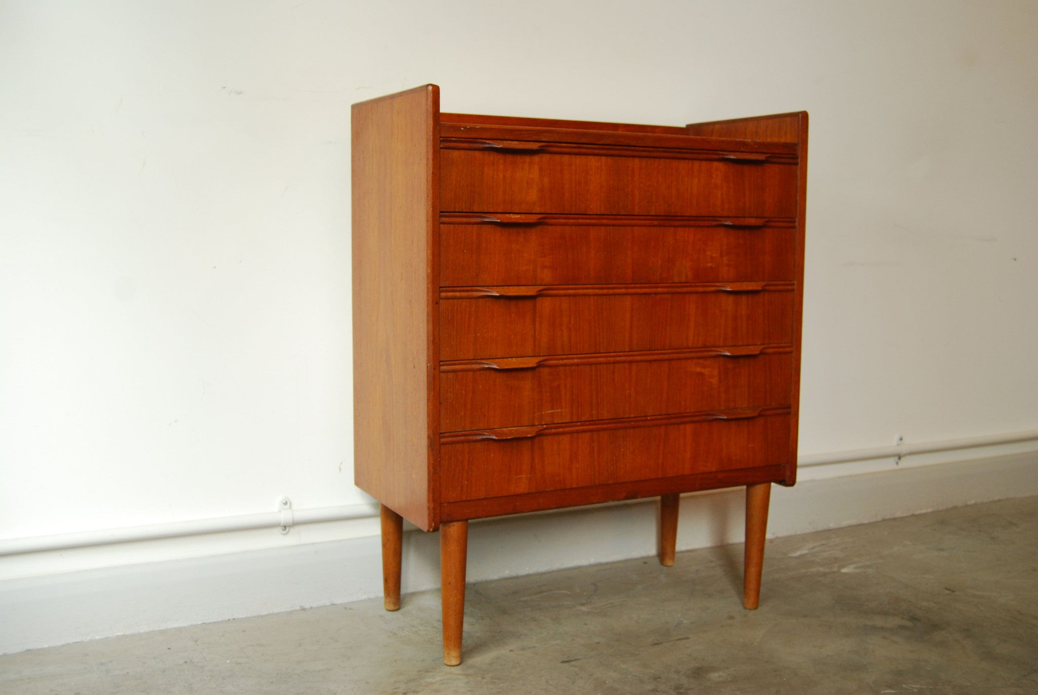 Chase & Sorensen Short chest of five drawers