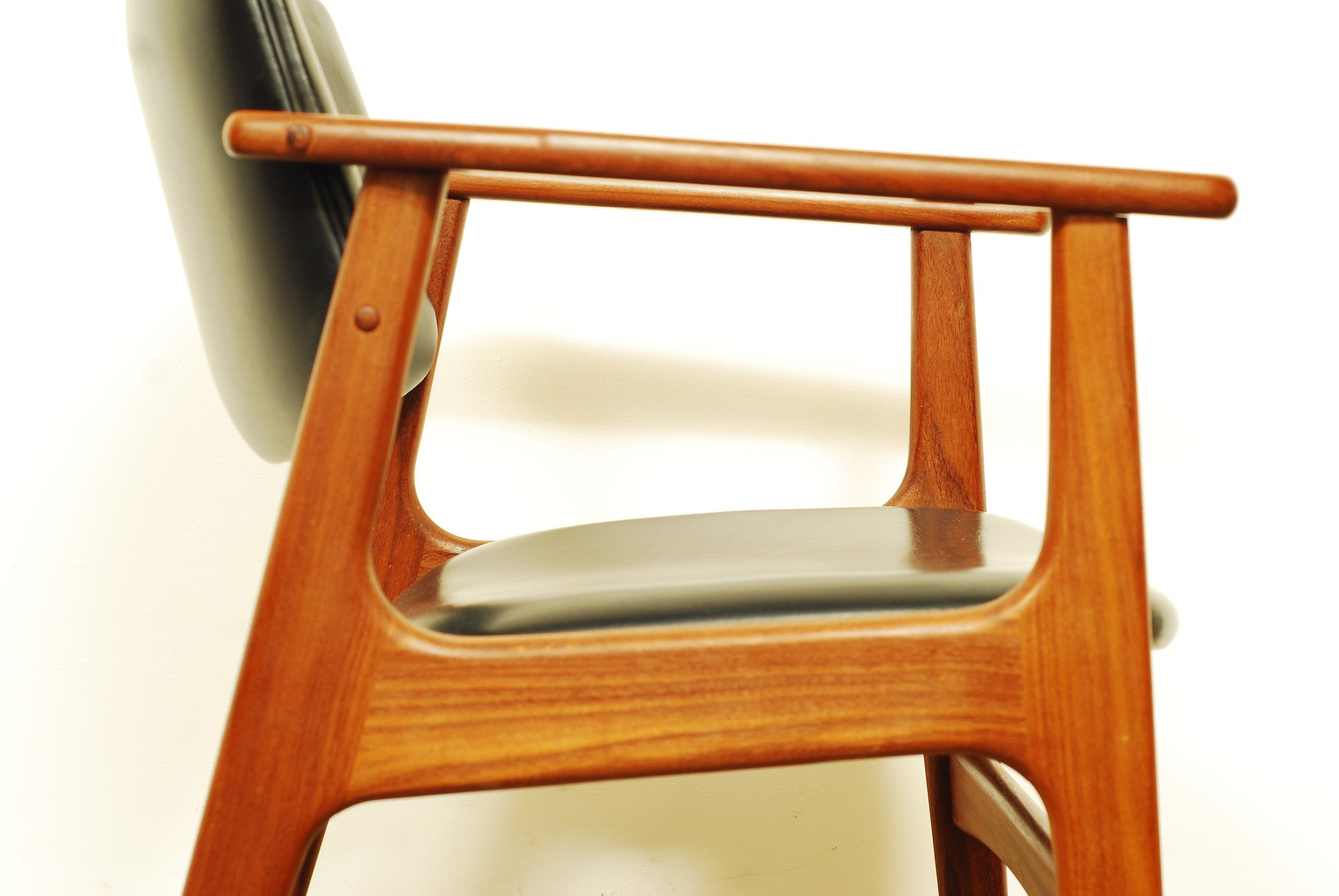 Pair of teak desk chairs no.1
