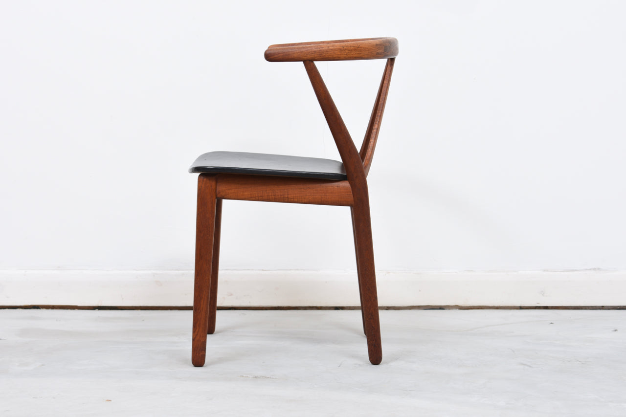 Six available: Model 225 dining chair by Henning Kjærnulf